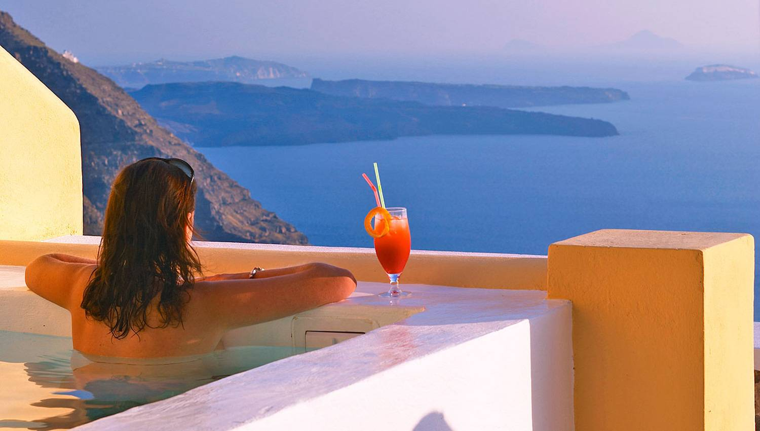 Honeymoon Suite with Hot Tub & Caldera View